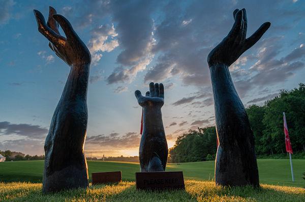 Art Scuplture Blessings Golf Club 600x399